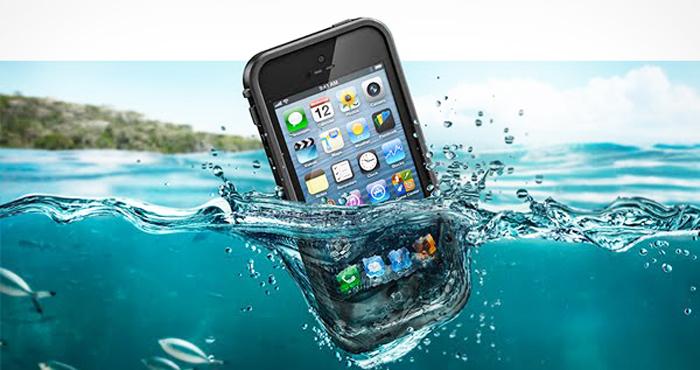 iPhone-In-Water.jpg